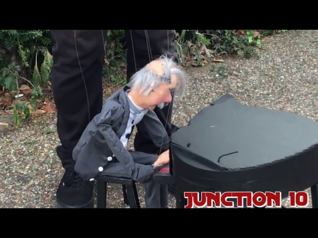 PIANO PUPPET SHOW IN LONDON     PUPPET SHOW