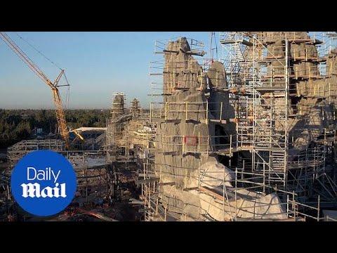 Disney release sneak peek of Star Wars themed park - Daily Mail