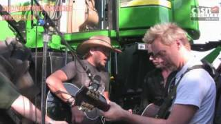 EXCLUSIVE - Jason Aldean sings Big Green Tractor - ON A BIG GREEN TRACTOR!