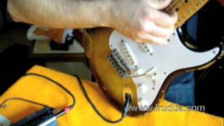 How to keep your Strat tremolo in tune. Frudua Way - www.frudua.com