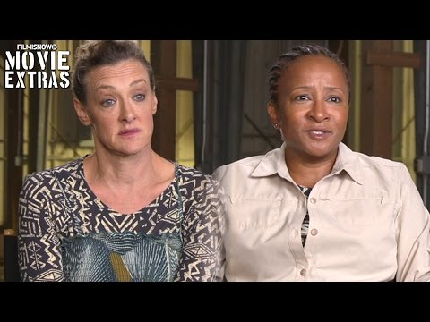 Snatched  Onset visit with Joan Cusack & Wanda Sykes
