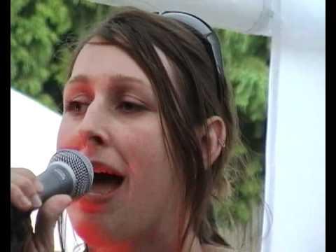 Twizz Twangle and Emma Higgins - 'A  Rose Thats Blind to Rain', Wittstock 2005