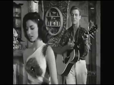 Roger Smith sings The Tourist Trade on 77 Sunset Strip 1960