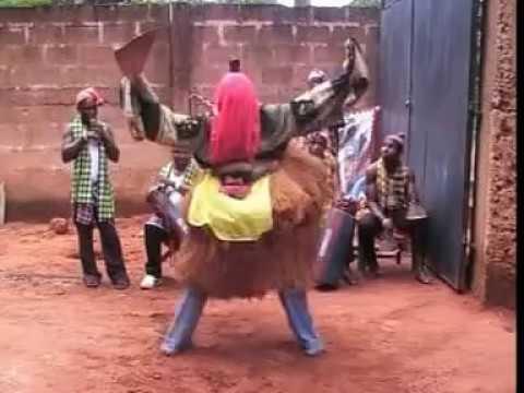 POWERFUL MASQUERADE ACROBATIC DANCE BY OZURUMBA CULTURAL DANCE- EBUEBU- OGAMBGADA OKPORO ORLU