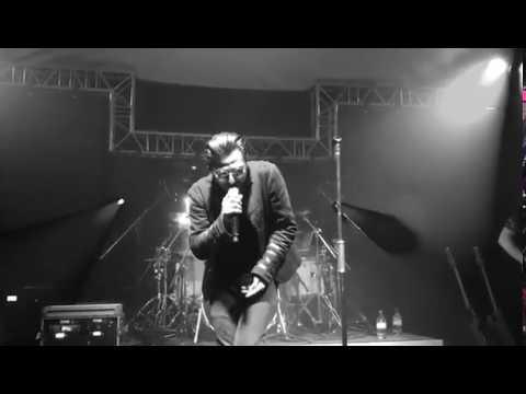 U2 - The Blackøut  -  Achtung Babies Live