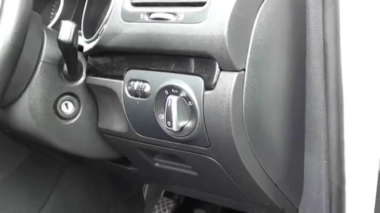 vw golf mk6 interior fuse box location 2008 to 2013 models [ 1280 x 720 Pixel ]