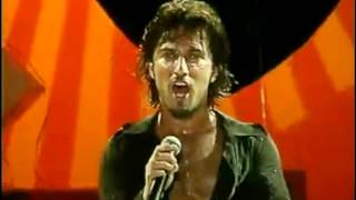 Watch Tarkan Ay video