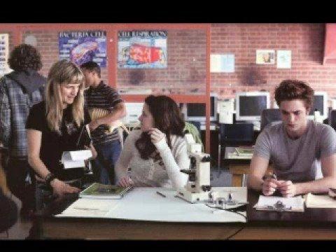 Edward Cullen-New Photos TWILIGHT-The Movie  Set - ROBERT PATT