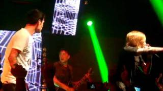 "A Skylit Drive ""Love The Way You Lie"" (Eminem ft. Rihanna COVER) (Live in Singapore)"