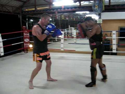 Dragon Muay Thai, Pad work