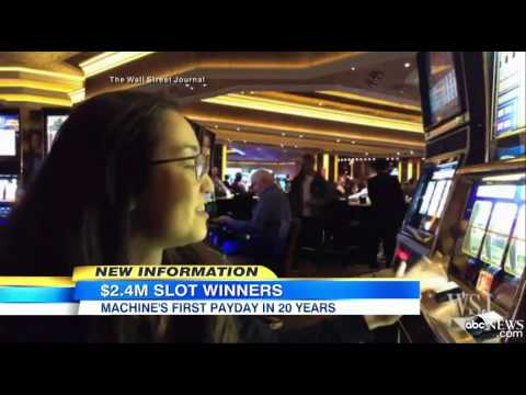 Couple wins slot machine