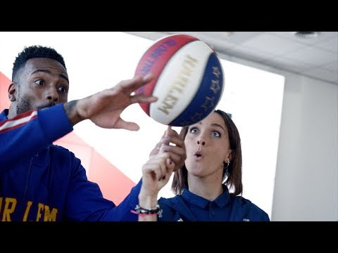 Juventus Women basketball skills with the Harlem Globetrotters!