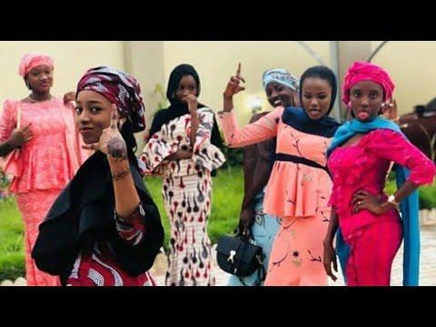 Download Barayi Sun Addabi Maigari   Musha dariya   video 2018#Hausa24