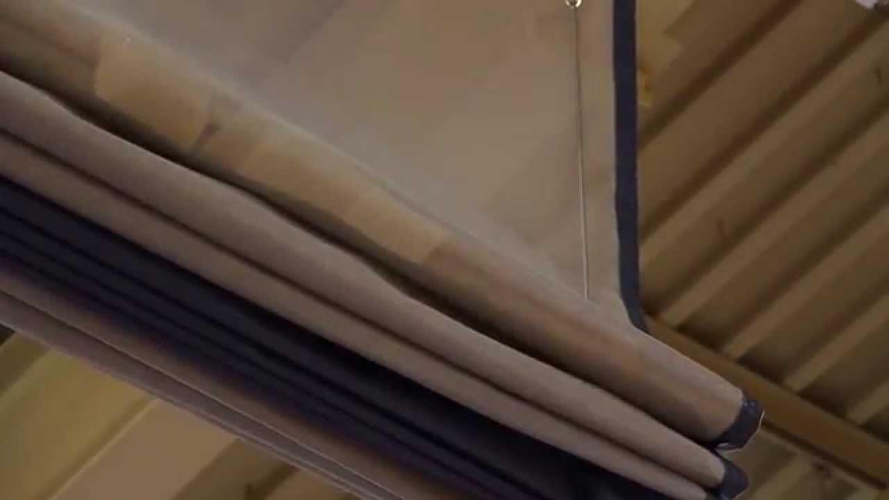670 fold up divider curtain