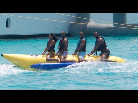 Shaq Flames LeBron James' Pose In Iconic Banana Boat Photo