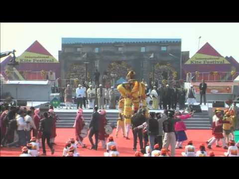 Shri Narendra Modi speaking at the inauguration of 3-day International Kite Festival