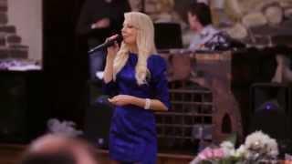 Наталья Романова - ведущая на свадьбу в Днепропетровске