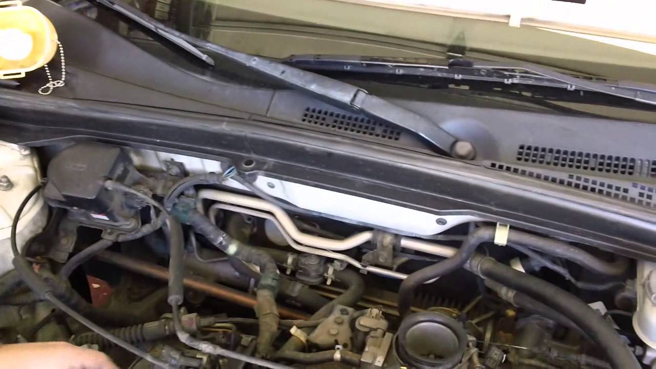 Honda civic gx cng fuel injector removal part 1