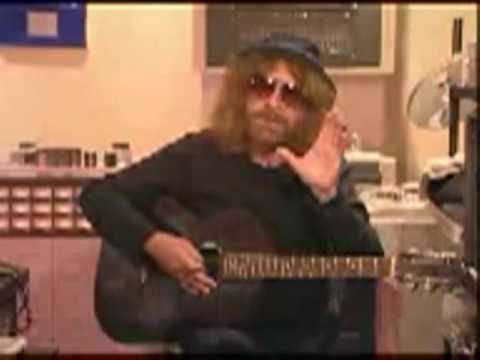 Jeff Lynne talks about Livin Thing