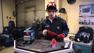 Сварка тонкого металла электродом. СВАР-Express #1(Инженер-сварщик демонстрирует и рассказывает основы ручной дуговой сварки электродом тонких металлов...., 2015-03-23T08:16:59.000Z)
