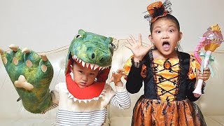 LoveStar Becomes a Wizard and transformed into a dinosaur / Fantastic kids pretend play