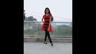 Gambar cover Aankh Maare Dance Cover By Dancing Tia