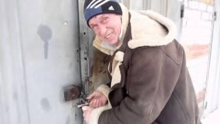 видео Срочно нужно вскрыть замок гаража? Доверьте работу профессионалам!