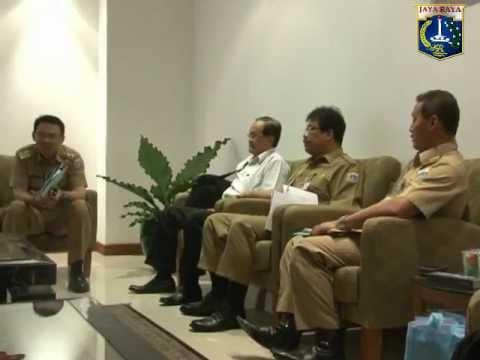 14 Nov 2012 Wagub Bpk. Basuki T. Purnama menerima paparan Dinas Pendidikan