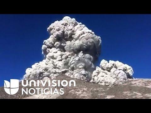 La repentina erupción que interrumpió el desayuno de estos montañistas en Indonesia