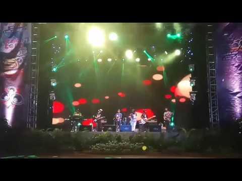 Reggata Reggae at Jakarta fair 2017 - TMT ( teman makan teman)