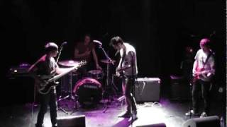 Cloud Nothings - Turning On || live @ 013 Tilburg || 22-05-2011 (2/3)