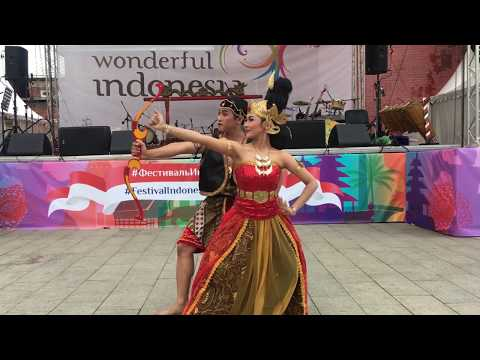 Abhitah Dance  - Bawika Semarang Art Enthusiast - Indonesian festival in Moscow 2017