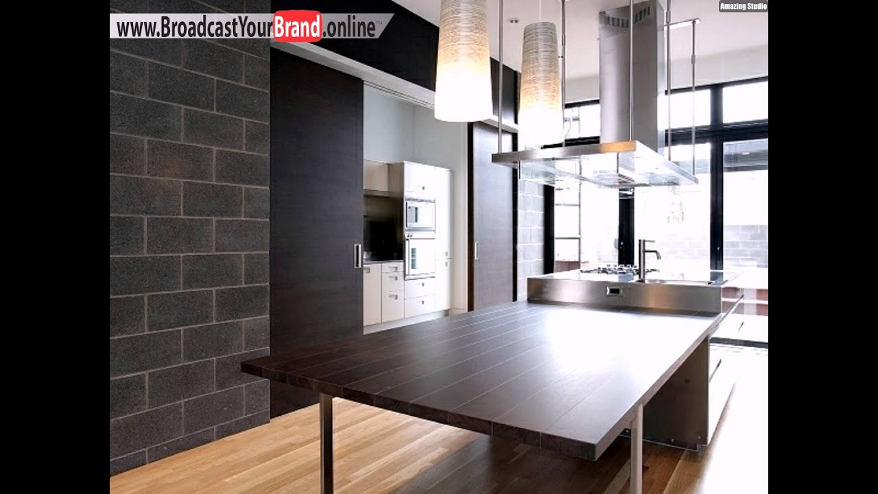 backsteinwand dunkle holz theke abzugshaube k che loft wohnung youtube. Black Bedroom Furniture Sets. Home Design Ideas