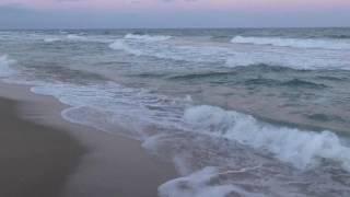 Море. Вечер. Девушка.