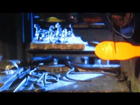 Fabrication de boules de no l en verre yourepeat - Fabrication de boule de noel ...