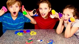 Learn English Colors! Play Doh Animals with Sign Post Kids!