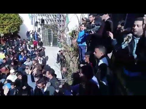 مظاهرات في مدن جزائرية ضد فترة رئاسية جديدة لبوتفليقة  - نشر قبل 38 دقيقة