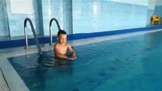 Моё плавание в бассейне.