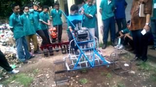 Modifikasi alat mesin pertanian