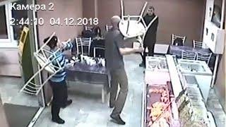 Уралец засверлил оппонента дрелью. Real Video