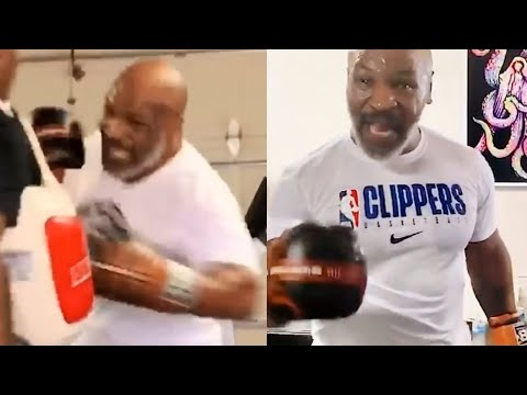 """(CRAZY) """"I'M BACK"""" MIKE TYSON AT 53 YEARS OLD IN SAVAGE MODE DESTROYING THE MITTS"""