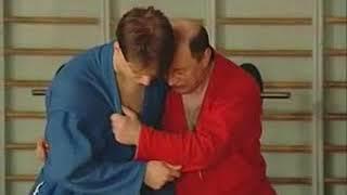 Уроки самбо Гончаров 17   Зацеп стопой с падением