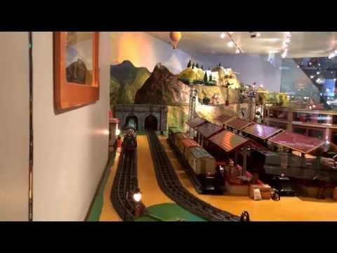 Mô hình xe lửa, nhà ga, tàu khách, tàu hàng, cầu, hầm