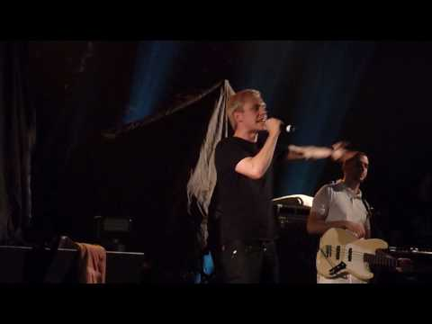 """YOUNG FOREVER"" -MR HUDSON- *LIVE HD* NORWICH UEA LCR 15/10/09"
