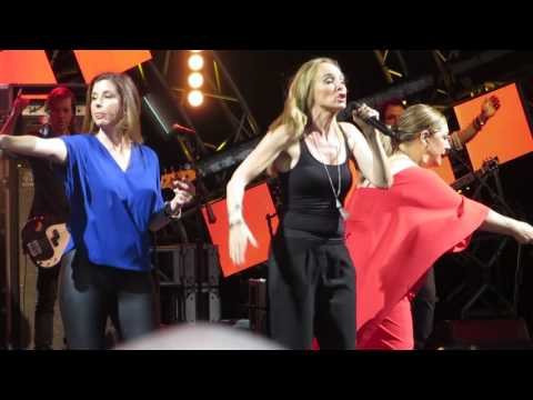 Wilson Phillips - Hold On- LIVE - Epcot Eat to the Beat Concert 3rd October 2016
