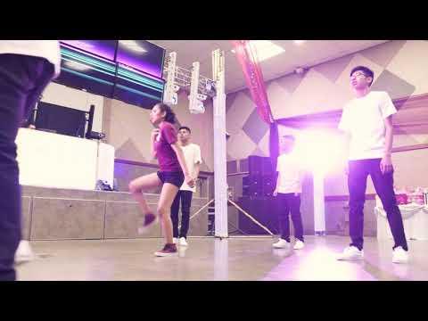 Ashley Surprise Dance (Baile Sorpresa)