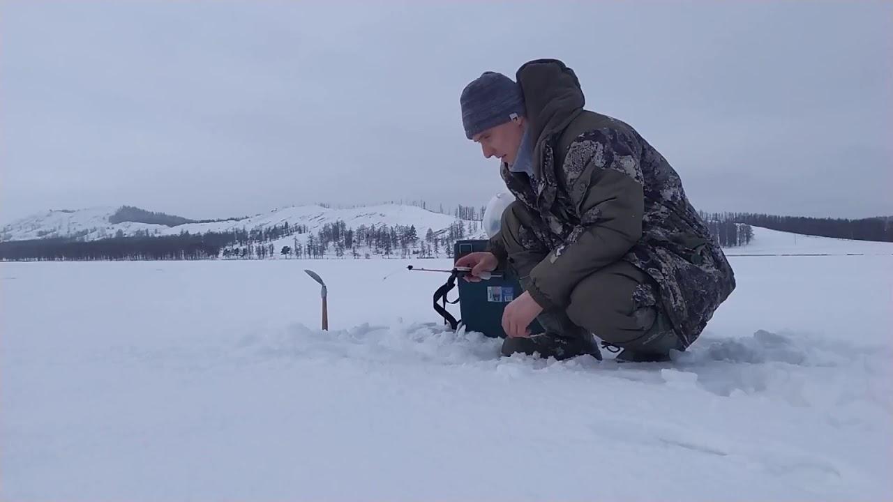 Зимняя рыбалка на теплых озерах