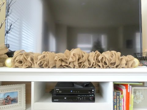 HOW TO | EASY BURLAP GARLAND