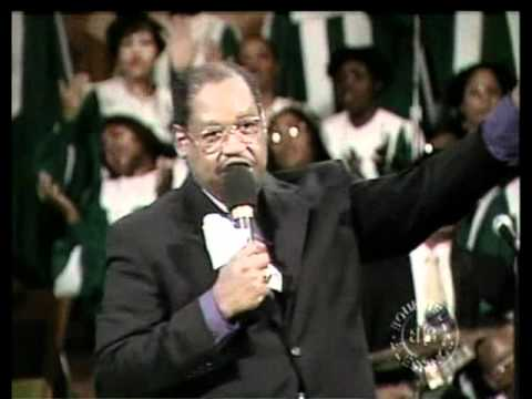 Bishop GE Patterson Sings WE ARE FREE TO PRAISE