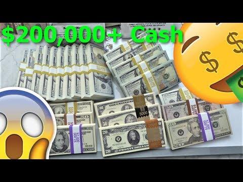 SOMEONE SENT ME OVER $200,000 CASH!!! OMG!!! 😱😱😱🤑🤑🤑